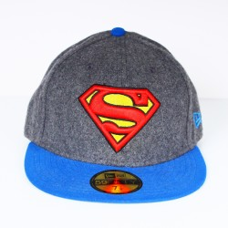 Casquette New Era Superman feutrine grise visière bleue 59 fifty